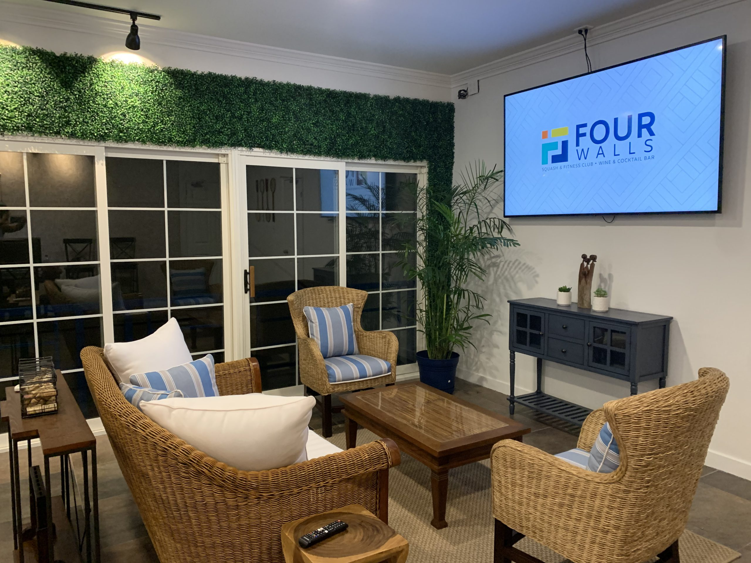 Four Walls Lounge Area